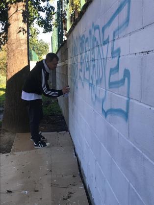 TALLER Y GRAFFITI en el IES Joaquin Romero Murube impartido por Dolar One en el POLIGONO SUR GRAFFITI 3000 VIVIENDAS SEVILLA