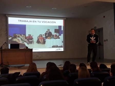 Dolar One en Carmelitas con David Perez compartiendo Ciberacoso y Ciberbullying GRAFFITI STREET ART Novelda Alicante