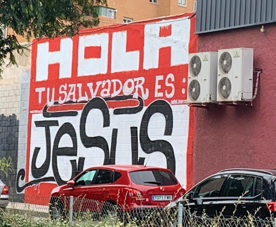- DOLAR ONE BIG ONE GRANDE ALICANTE STREET ART HOLA TU SALVADOR ES JESUS 2