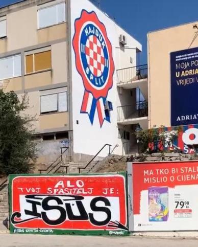 Hola tu salvador es Jesús en croata