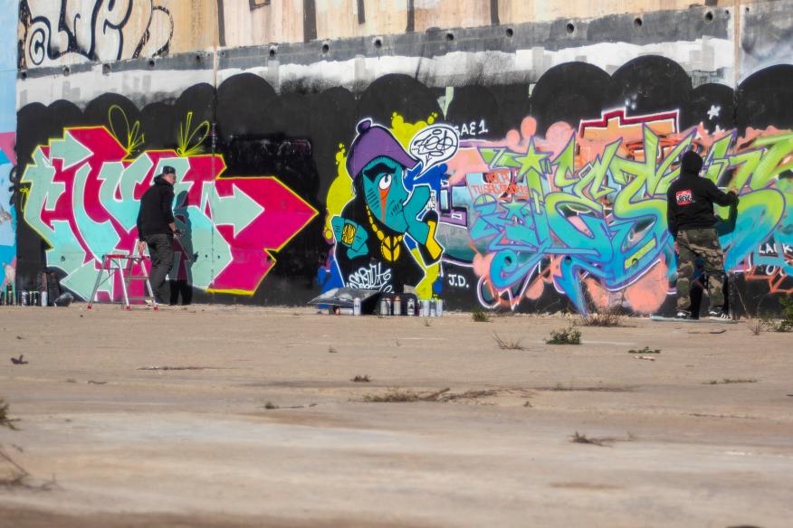 Glub y Dolar pintando en Valencia (Foto: Hazy)